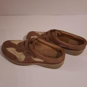 St. John's Bay Woman shoes  size  7 M